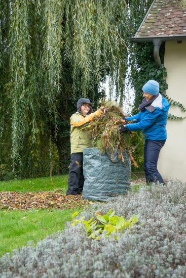Ako na lístie a záhradný odpad
